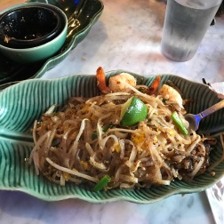 This was my favorite meal in Seattle, amazing Pad Thai at Thai Tom! I got mine a little too spicy though, but it was still 🔥 (literally)!